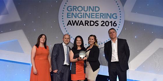 Cementation Skanska collecting the GE Magazine 2016 Editor's Choice Award